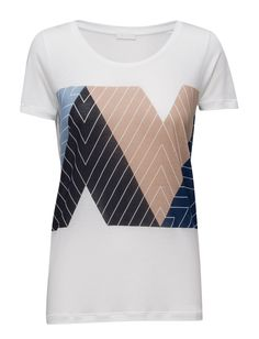 DAY - Cay Printed design on front Scoop neckline Short sleeves Cool Classic Simple T-Shirt Print Shirt Print, T Shirt, Printed Shirts, Print Design, Short Sleeves, Neckline, Blazer, Navy, Simple