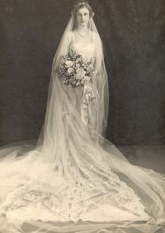 +~+~ Antique Photograph ~+~+  Bride in exquisite French wedding dress. 1877