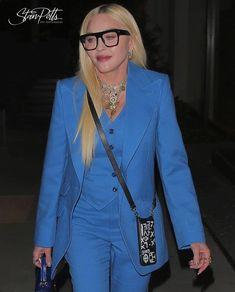 "Madonna on Instagram: ""Madonna yesterday in West Hollywood 📸 By @shotbynyp #madonna"" Madonna Fashion, Madonna 80s, 90s Fashion, Icon Fashion, Latin American Music, American Music Awards, Verona, Stylish Older Women, Jonathan Ross"