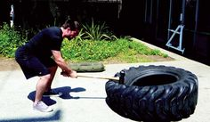 Sledgehammer Slams On A Tire Outdoor Gym, Outdoor Workouts, Gym Workouts, At Home Workouts, Tire Flipping Workout, Tire Workout, Boxing Workout, Workout Circuit At Home, Workout Routine For Men