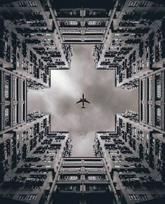 Follow This Instagram Account For Pleasing, Symmetrical Photos Around The World - DesignTAXI.com