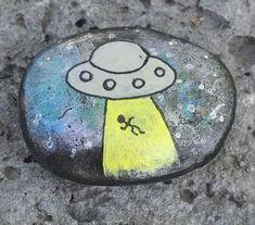 UFO spacecraft alien painted rock #hikingdiy