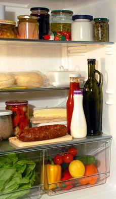 Nettoyage du réfrigérateur - Avec un peu de planification et d'organisation, le nettoyage de votre réfrigérateur et congélateur n'est pas nécessairement une t�che difficile.