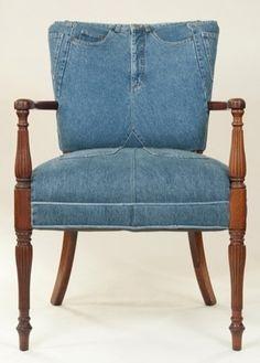 Jeans utilizado como o estofamento de uma cadeira