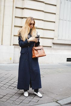 Vestiaire collective : Et si on s'offrait une pièce vintage de créateur à la rentrée ? | Vogue Paris Look Street Style, Street Style Looks, Street Chic, Street Style Women, Street Styles, Vogue Paris, Fashion Week, New York Fashion, Paris Fashion