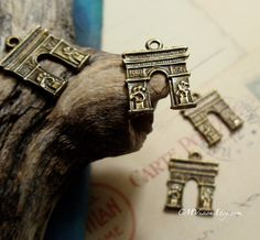 12pcs of Antique Bronze Double-sided The Arch of Triumph, Arc de Triomphe, Gate of Paris, Charms - $2.99 - http://www.etsy.com/listing/69885486/12pcs-of-antique-bronze-double-sided-the