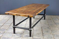 """Tisch """"Fagus major"""" Platte Rotbuche (5,5 cm stark) H = 76,5 cm L = 246 cm B = 89 cm  Untergestell: Stahl www.w-l-m.com"""