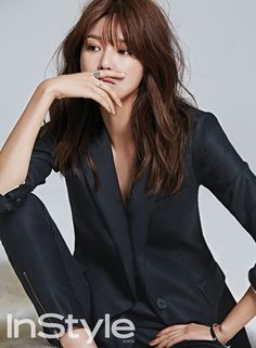 SooYoung/ 수영 with her chic beauty and glamorous figure in a new pictorial for Instyle Magazine October issue, Omo! Yuri, Jessica Jung, Sooyoung Snsd, Girl's Generation, Instyle Magazine, Fall Looks, Japanese Girl, Asian Woman, Medium Hair Styles
