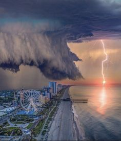 Tornados, Thunderstorms, Carolina Do Sul, Myrtle Beach South Carolina, Mrytle Beach, Bon Plan Voyage, Epic Photos, Calm Before The Storm, Beach Photos