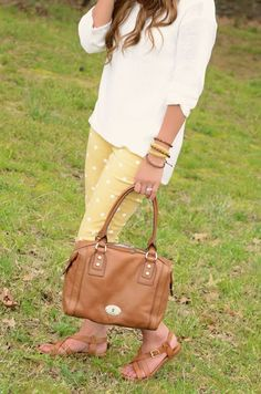 I need these pants and that purse ❤