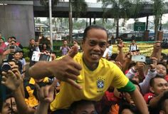 Cannavaro posta foto de sósia de Ronaldinho Gaúcho (Foto: Reprodução)