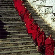 Bhutan www.travelbrochur...
