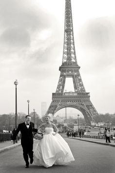 Paris destination wedding.