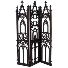 Gothic privacy screen