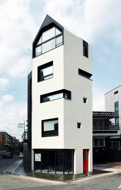 White house by Design band YOAP / Bangbae-dong, Seocho-gu, Seoul, South Korea