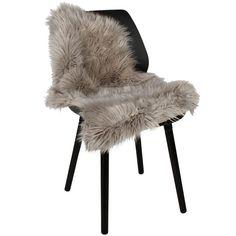 Lysegrå lammeskind til stol   #nordiskindretning #nordiskdesign #nordisk #skind #indretning #interiør #interiørdesign #interiørbutikkendk #rustikkemøbler #boligindretning  #lammeskind Design