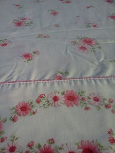 Vintage PINK DAISY SHEET by LavenderGardenCottage on etsy