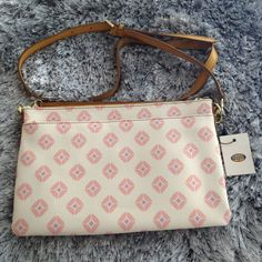 d867cdc00f0555 Fossil Sydney Top Zip Crossbody Bag Pink Print - New with tags  fashion   clothing