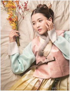 Nam Bora Poses in Hanbok for Monthly Wedding 21 Magazine Koogle TV Korean Traditional Clothes, Traditional Fashion, Traditional Dresses, Korean Dress, Korean Outfits, Oriental Fashion, Asian Fashion, Nam Bo Ra, Modern Hanbok