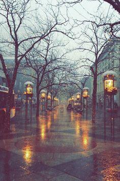 Ideas For Photography Winter City London England Rainy Mood, Rainy Night, Rainy Days, Night Rain, Rainy Weather, Rain Photography, Winter Photography, London Photography, Photography Aesthetic