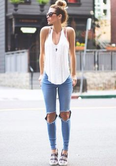 beautiful simplicity: ripped jeand and white tank
