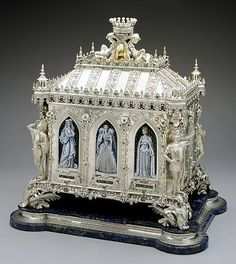 1867 French Silver jewel casket at the Los Angeles County Museum of Art, Los Angeles. #antique #vintage #box. Pinned from http://collections.lacma.org/