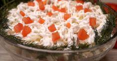 Минтай, сваренный в рассоле от маринованных огурцов, по мановению волшебной палочки превращается в очень вкусную и сочную рыбу. Набор продуктов минимальный, готовится все очень быстро и просто, а результат потрясает воображение. Очень красивый, сочный, нежный салатик вам обязательно понравится и станет одним из самых любимых: попробуйте – и вы поразитесь, насколько это вкусно!!!