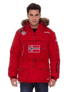 No ha llegado el frío pero llegará y tenemos que estar preparados..Descubre una selección de prendas de abrigo para los amantes del deporte al aire libre y la naturaleza. Ropa que une la practicidad, la calidad y la elegancia. Abrígate y disfruta de un día de montaña con Geographical Norway.