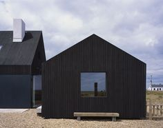 North Vat, Dungeness - Rodic Davidson Architects London Dungeness Beach, Grand Designs Houses, Timber Cabin, Black House Exterior, Modern Barn, Architect Design, Contemporary Architecture, House Architecture, Detached House