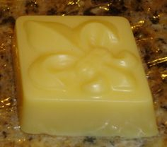 DIY Peppermint Foot Bar  - Lotion Bar's are a soap like bar that is a compressed moisturising lotion, which is rubbed directly onto the skin without water.