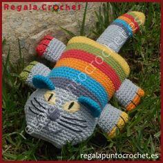 Amigurumi gato sonriente. Divertido y colorido #gato, tejido a #crochet, que se convertirá en un compañero de juegos inseparable para tu #bebé. Personalizable. Hecho a mano. #RegalaPuntoCrochet #handmade #amigurumis