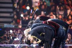 Willingly to do anything because we love them. And the boys deserve it Chanyeol Baekhyun, Exo Kai, Exo Dear Happiness, Exo Awards, Exo 2017, Mama Awards, Exo Group, Exo Album, Exo Official