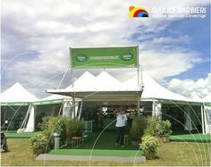 The Brooklyn #shelter is a self-supporting #shade structure, which does not require foundation works. It can be installed everywhere and is particularly suitable as #elegant entrance to a building or as hospitality tent in combination with other party #marquees.