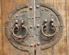 OLD CHINESE DOORS | Old Chinese brown door with metal ring | Knock Knock