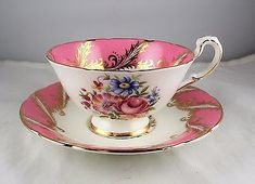 Paragon Fine Bone English China Pink Rose Floral w/Gold Her Majesty Cup & Saucer