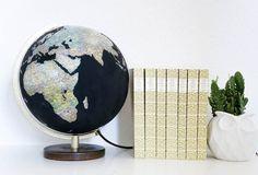 Globus DIY - Wie peppt man einen alten Globus wieder auf? Man bestreicht ihn mit Tafellack und lässt ihn damit wieder in neuem Glanz erstrahlen!