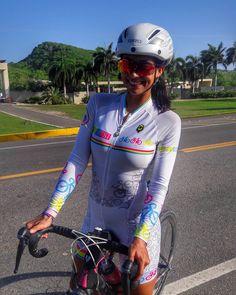 """139 mentions J'aime, 3 commentaires - Valentina Molina R (@valentina.molina.r) sur Instagram : """"Tres horitas dandoo pedal de lo Lindoo!! Con un Cielo Perfecto y una Brisa Divina !! Como Siempre…"""""""