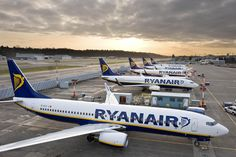 Italy / Industry : La compagnie aérienne low-cost Ryanair investit en Italie - http://www.italie-france.com/fr/la-compagnie-aerienne-low-cost-ryanair-investit-en-italie #italy #industry #economy #finance #automotive #italianpost #ADR #Ryanair #lowcost #flights #airport #air #airbus #boeing #airplane #travel #a320 #jetblue #stmaarten #sxm #landing #mahobeach #beach #aviation #plane #pilot #flight #gear #megaplane #insta #instagram #princessjulianaairport #comment #cockpitview  #travelgram
