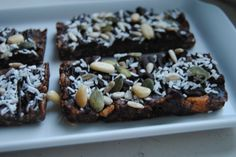 (Almost) Raw Snickers/Bounty Bars with Roasted Peanuts and Coconut
