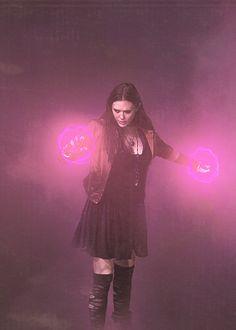 Wanda Maximoff    Avengers: Age of Ultron    ?x?