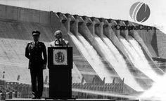 Jaime Lusinchi en la inaguración de la ultima etapa de la represa el Guri