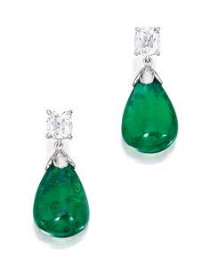 Gorgeous Diamond Earrings with Pear Shaped Emerald Drops. Graff Jewelry, Luxury Jewelry, Jewelery, I Love Jewelry, Fine Jewelry, Jewelry Design, Modern Jewelry, Emerald Earrings, Emerald Jewelry