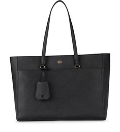 fd8f2ebc2fd9e TORY BURCH MODEL ROBINSON BLACK SAFFIANO LEATHER SHOULDER BAG.  toryburch   bags  shoulder bags  hand bags  leather  lining
