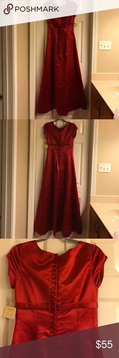 Bella Formals Red size 10 dress Bella Formals Red size 10 dress Bella Formals by Venus Dresses Prom