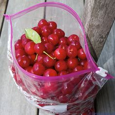 Should you wash out zip-lock bags? Ask Umbra says, cherry-pick your food containers and leave the plastic baggage behind.