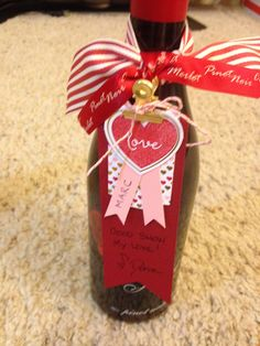 Made this cute Wine Tag with supplies from the January 2015 Paper Pumpkin from Stampin' Up.