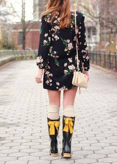 The Steele Maiden: Joules Bow Rainboots and Floral Shift Dress