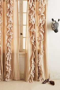 pretty neutral pleated curtains http://rstyle.me/n/gmxj9pdpe