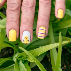 Amazing Designs Of Easter Nails For Your Inspiration #nails Easter Nail Designs, Easter Nail Art, Wedding Nails Design, Nail Candy, Beautiful Inside And Out, Prom Nails, Holiday Nails, Nailart, Chicken