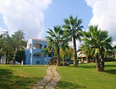Sea view apartments, pathway to the sea. Holiday Apartments, Pathways, Golf Courses, Sea, Paths, The Ocean, Ocean, Walking Paths